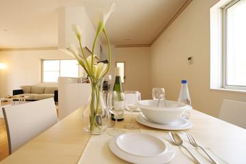 食事をするダイニングはその家や部屋に住んでいる人の運の土台を作る場所です。